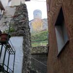 il Castello visto dai vicoli