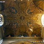La volta dell'area presbiteriale, con gli affreschi del XVI secolo
