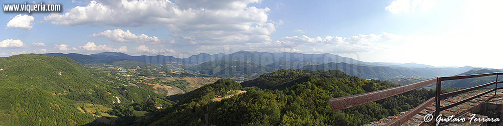 le colline dell'Oltrepò viste dal torrione