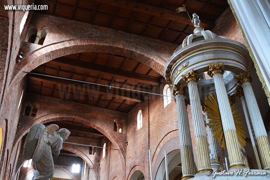 lomello basilica interno