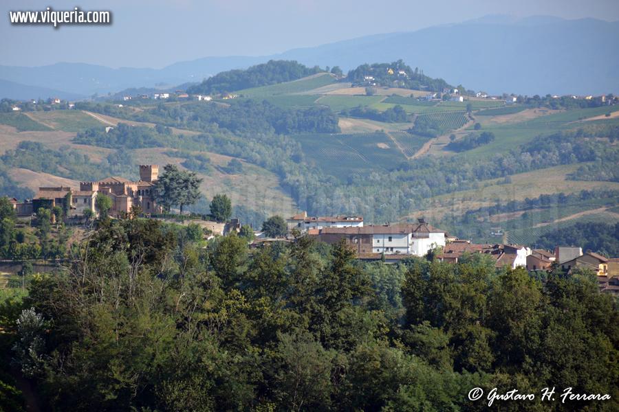 il castello e il paese di Mornico Losana (PV), in Oltrepò pavese