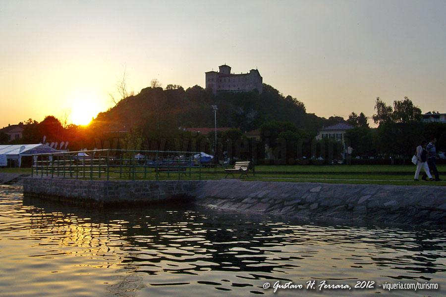 La rocca di Angera nel lago Maggiore