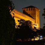castello-visconteo-di-pavia-notte-3