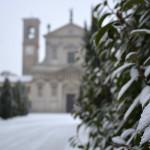 Foglie e chiesa. Montebello della battaglia (PV)